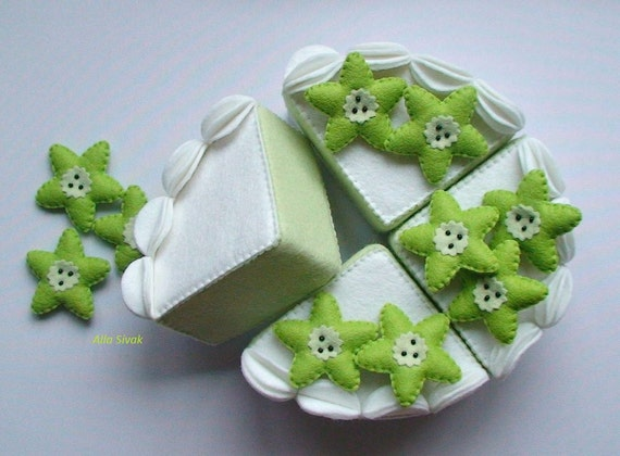 Felt fruit cake Home decor felt food Pretend play food Play