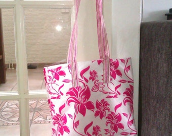 Lovely sweet and cute white and pink bag,totebag, marketbag,schoolbag, goodiebag, giftbag, with flowers
