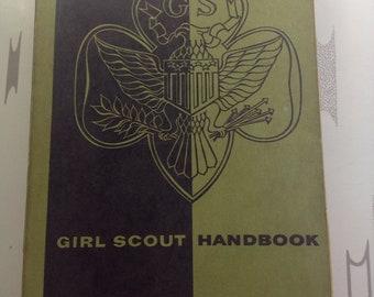 Vintage Girl Scout Handbook Soft Cover 1959 Intermediate Program