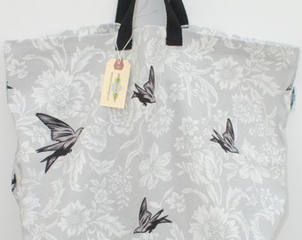 Canvas Bag: Gray Doves, washable