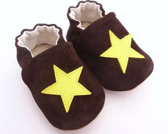 Brown genuine leather with yellow stars sewn slippers