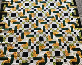 Quilt Top : Green/Black/Yellow Spinning Stars