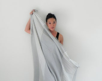 Onuma scarves- white gray   Winter  scarf