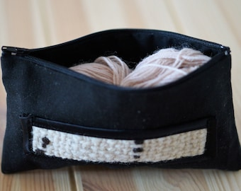 Fabric with woven detail black and white - Newen weaving Kit