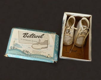 Vintage Baby Shoes with Shoe Box, Biltwel Baby Shoes, Honeysuckle Baby Shoes, Sears and Roebuck, Memorabilia, Doll Shoes, Advertising