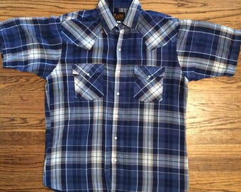 Vintage men's 1980's plaid pearl snap button boho, western shirt. Size M