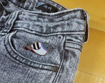 Pigeon pin hard enamel silver 3cm - dove bird lapel pin brooch badge flair collar pin hat pin nature animal city rock dove