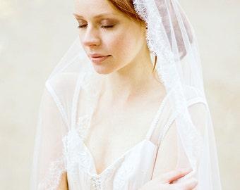 Wedding Veil, Fingertip Wedding Veil, Bridal Veil, Mantilla Veil, Ivory Veil, Chantilly Lace Veil, Lace Veil, Short Veil - Style 308