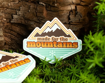 MADE for the MOUNTAINS: Retro Mountain Range Wanderer Climbing Pathfinder Hiking Gifts for Her Mountains are Callin Mountains Hike Climb