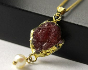 Mother's Day Gift - 14K Gold Filled Necklace with Rough Ruby and Pearl - 22K Gold Vermil Pendant – Raw Ruby Gemstone - July Birthstone
