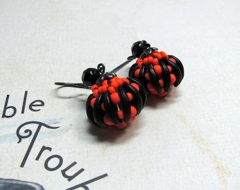 Bead Woven Pumpkin Earrings, Pumpkin Earrings, Halloween Earrings, Beaded Pumpkin Earrings, Halloween Jewelry, Pumpkin Jewelry, Holidays