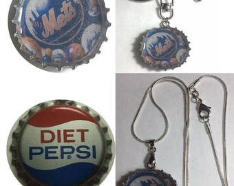 Old Diet Pepsi Soda bottle cap NY NYC Mets Baseball Keychain, Pendant, Necklace
