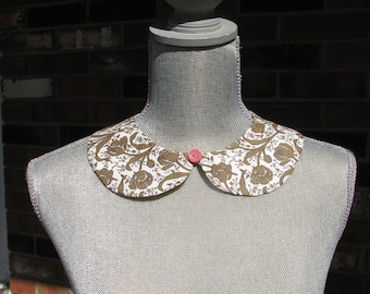 Detachable Peter Pan Collar - Removable Collar - Vintage button - Sample sale