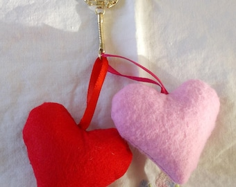 Key duo red and pink hearts