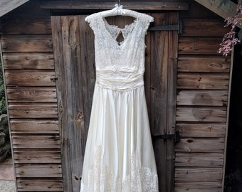 1950s Vintage Lace and Satin Wedding Dress