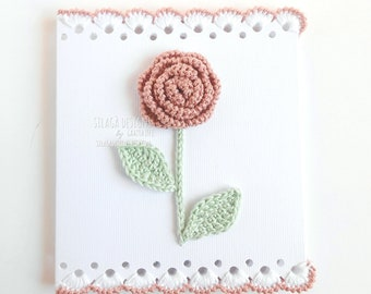 Customizabile crochet rose greeting card for Mother's day, Handmade scalloped card, Antique pink crochet flower card, Birthday card