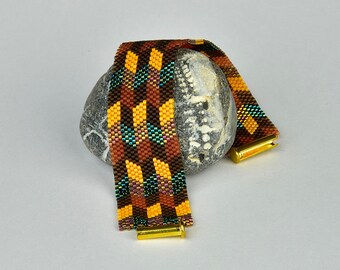 peyote bracelet with rhombus