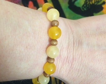 Yellow and wooden beaded stretch Bracelet, yellow bracelet, wooden beaded bracelet, spring bracelet, colorful, gift for her, beaded gift