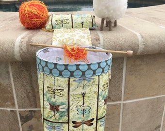 Yarn Keeper - Yarn ball Cake holder knitting and crochet - Yarn Bowl with weighted holder -