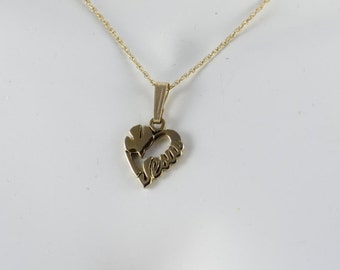 """14K Yellow Gold Jesus Necklace Peace Dove Heart Necklace 18"""" Chain Christian Religious"""