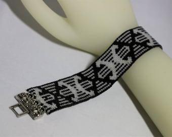 Peyote Bracelet Pattern B&W