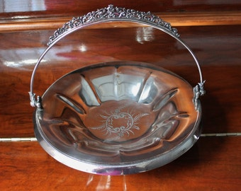 Silver Basket by Forbes Silver Company, Quadruple  Plated  Meriden Britannia Bridal Basket Pattern 218