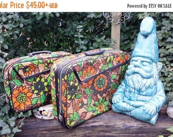 70s Luggage, Floral Suitcase, 70s Suitcase, Gift for Her, Small Suitcase, Vintage Luggage, Vintage Suitcase, Carry On Case, Train Case