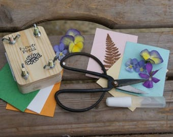 Flower Pressing Kit by Apples To Pears -