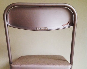 Mid Century Samsonite Folding Chair.