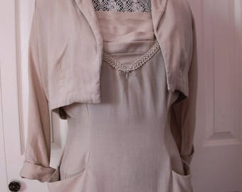 1950s Beige Wiggle Dress with Pockets Large