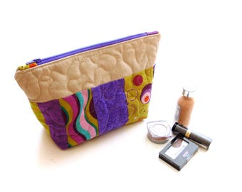 Cosmetic bag, zipper pouch, patchwork quilted bag, purple, retro, make up case, travel toiletry bag
