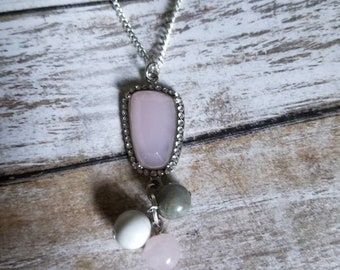 Aromatherapy jewel necklace.