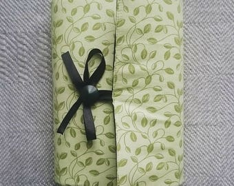 Adjustable book cover - leaves