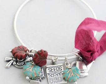 Autumn Garden Theme Charm Bracelet, Gardener Gift, Garden Charm Bangle, Silver Stackable Bangle, 25 Dollar Gift for her, Fall Colors, SRAJD