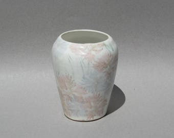Conwy Pottery Vase Designed by Carol Wynne Morris Pastel Flowers 1980s Vintage Made in Wales Welsh Studio Pottery Vase