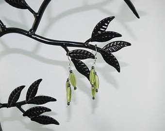 EARRING loop Olivine glass beads with silver