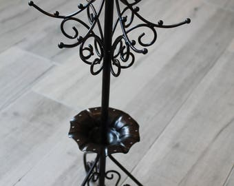 Black metal jewelry display stand