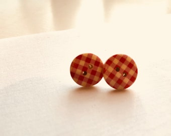 Button me up stud(s) - red check