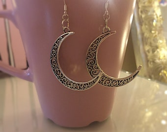 Feminine Moon goddess earrings