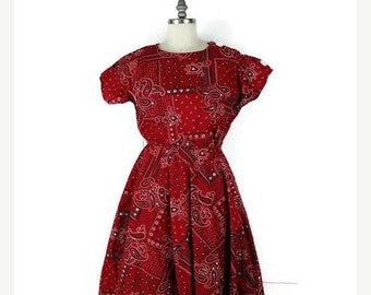 ON SALE Vintage Paisley Pattern Short sleeve Red Dress from 1960's