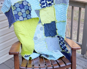 Rag Quilt, Dauchsund Rag quilt, Blue rag quilt, green rag quilt, Modern rag quilt, couch throw quilt, lap quilt, anniversary gift