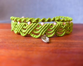 Macrame Anklet lime with messingfarbenem sheet