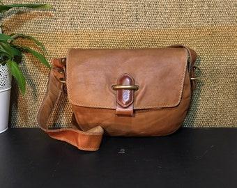 Vintage 1990's Brown Beige Leather Medium Size Shoulder Bag / Purse