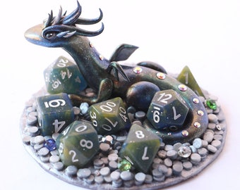 Galaxy Treasure Dragon with full set of Dice