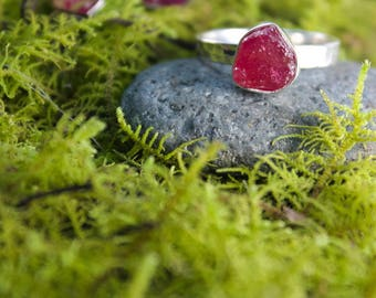 Juicy Raw Ruby Ring with Sterling Silver Beaten Band - Size 6.5 US - Genuine Rough Ruby Ring - Raw Gemstone Jewelry - Ruby Jewellery