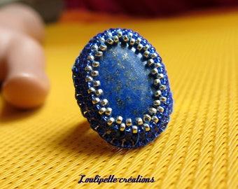 Embroidered ring Lapis lazuli stone