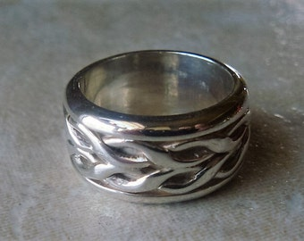 Chunky silver ring, Celtic band ring, Solid silver ring, Wide band ring, Unisex ring, Sterling silver 925