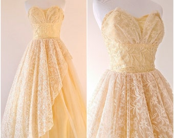 Vintage 1950's Pale Yellow Lace Dress | Fit and Flare Gown | Vintage Prom Dress |