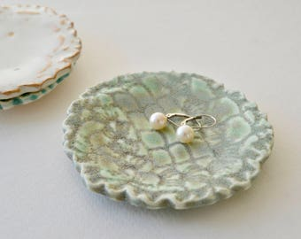 Jewelry Dish ~ Pottery Jewelry Holder ~ Ceramic Ring Plate ~ Ceramic Small Dish ~ Ceramic Small Plate ~Bridal Shower Favors~Ring Holder Dish