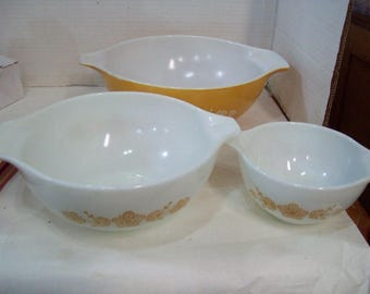 Three Pyrex Mixing Bowls 443 & 444 Butterfly Gold 4 Quart, 2.5 Quart,  2.5 Cup Free Shipping C2